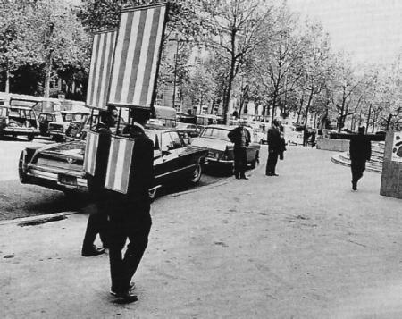 daniel-buren-sandwich-men-1968-paris.png